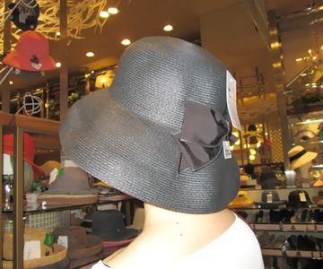 グレースとフェミニンの帽子